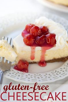 The perfect gluten-free dessert recipe for any occasion. Smooth rich and creamy! The perfect gluten-free dessert recipe for any occasion. Smooth rich and creamy! Vanilla Bean Cheesecake, Gluten Free Cheesecake, Gluten Free Cupcakes, Gluten Free Desserts, Cheesecake Recipes, Dessert Recipes, Healthier Desserts, Dessert Food, Keto Desserts