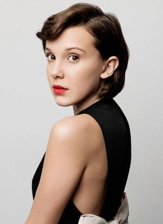 Millie Bobby Brown photographed by William Callan (BAFTA Tea Party Why didn't I look like this at Not fair. Millie Bobby Brown, Bobby Brown Stranger Things, Stranger Things Quote, Bobbi Brown, Short Shag Hairstyles, Brown Hairstyles, Shaggy Haircuts, Haircut Short, Easy Hairstyles