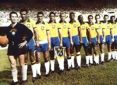 Verdão e amarelo: Palmeiras comemora 52 anos do dia em que foi a Seleção