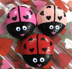 The Doodling Moon by TheDoodlingMoon on Etsy Ladybug Rocks, Pink Ladybug, Ladybug Garden, Painted River Rocks, Small Flower Pots, Garden Stones, Rocks Garden, Rock Painting Ideas Easy, Turtle Painting