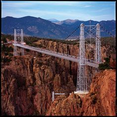 Royal Gorge - Colorado.  Been across this bridge, which has WOODEN PLANKS for its surface....it was a littttle bit scary!!! Road Trip To Colorado, Colorado Usa, Colorado Homes, Colorado Springs, Colorado Winter, Visit Colorado, Canon, Places To Travel, Places To Visit