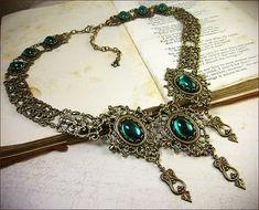 Smaragd Halskette, Renaissance-Schmuck, Mittelalterliches Collier, Brautschmuck, Renaissance-Hochzeit, Handfasting, Ren Faire, wählen Sie Ihre Farbe