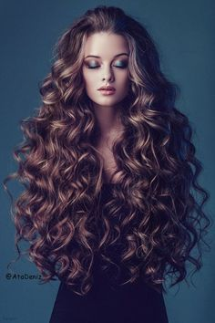 Long hair-Fashion Girl-hair color-curle-wavy