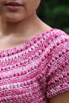 Fabulous Crochet a Little Black Crochet Dress Ideas. Georgeous Crochet a Little Black Crochet Dress Ideas. Gilet Crochet, Crochet Blouse, Crochet Trim, Knit Crochet, Crochet Bags, Crochet Bodycon Dresses, Black Crochet Dress, Crochet Designs, Crochet Patterns