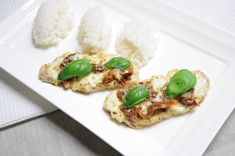 Schab pieczony z mozzarellą i suszonymi pomidorami Mozzarella, Risotto, Ethnic Recipes, Food, Essen, Meals, Yemek, Eten