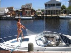 Have you ever enjoyed the pleasure of spending an afternoon boating on a lake or an ocean? Boat Cleaning, Cleaning Hacks, Marina Home, Sea Ray Boat, Boat Interior, Boat Stuff, Travel And Leisure, Fishing Boats, Boating