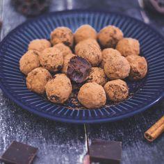 karácsonyi trüffelgolyó - sugarfree dots Sugar Free, Breakfast Recipes, Xmas, Sweets, Foods, Cookies, Food Food, Crack Crackers, Food Items