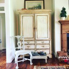 Beautiful armoire pa