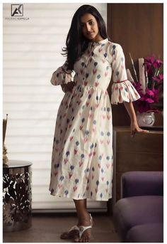 Untitled Indian Gowns Dresses, Indian Fashion Dresses, Indian Designer Outfits, Girls Fashion Clothes, Long Dress Design, Dress Neck Designs, Stylish Dress Designs, Kalamkari Dresses, Ikkat Dresses