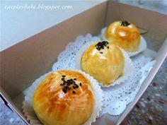 猫兒的天空: 蛋黄酥 Salted Egg Yolk Pastry