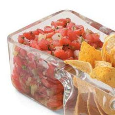 Quick Watermelon Salsa Recipe -On hot days, this sweet salsa with watermelon, pineapple and fresh cilantro is sure to satisfy. Betsy Hanson tosses it together in a matter of minutes in her Tiverton, Rhode Island kitchen. Mexican Food Recipes, Vegetarian Recipes, Snack Recipes, Cooking Recipes, Healthy Recipes, Snacks, Watermelon Salsa, Salsa Recipe, Appetizer Dips
