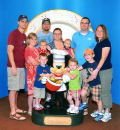 Tips for planning a large family gathering at Disney
