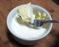 Dukan - Lemon Cheesecake  All Phases - Attack (PP), Cruise (PV) --- to make it LCHF change the ingredients to full fat.