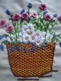 Bordado flowers in a basket hand embroidery