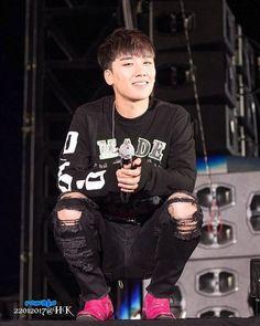 Las etiquetas más populares para esta imagen incluyen: kpop, seungri y bigbang