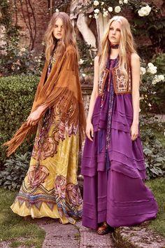 Get inspired and discover Roberto Cavalli trunkshow! Shop the latest Roberto Cavalli collection at Moda Operandi. 70s Fashion, Fashion 2017, Fashion Show, Womens Fashion, 1960s Fashion Hippie, High Fashion, Gypsy Style, Hippie Style, Bohemian Style