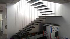 Proměňte schody v estetický prvek, který ozdobí váš interiér. Stairs, Home Decor, Living Room Ideas, Dekoration, Interior, House, Stairway, Decoration Home, Room Decor
