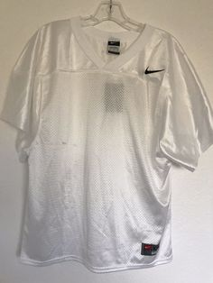 263a40de64aca Nike Football Holes Cool NEW NWT Boys Size Youth XXL Shirt White V Neck  TEAM1029