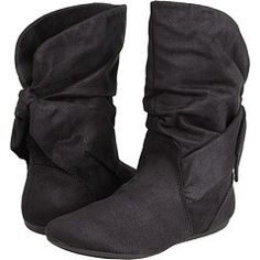 Are you loving this Autumn weather? It's time for boots!    http://www.emme-magazine.com/2012/09/18/keep-your-tootsies-snug-with-victorias-secret/