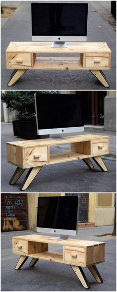 In need of a better and unique furniture for your living area? Here we go providing you an idea to create a package containing masterpieces by recycling wood pallets. Awesome idea for pallets wood made living room pallet TV stand is being presented here t Unique Furniture, Pallet Furniture, Furniture Projects, Rustic Furniture, Office Furniture, Recycled Pallets, Wooden Pallets, Recycled Wood, Pallet Tv