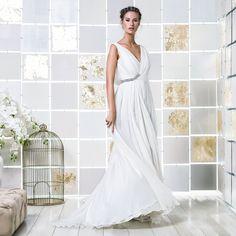 Gio Rodrigues Elena Wedding Dress flowing wedding dress mousseline lurex collar engaged inspiration unique bride gorgeous romantic