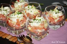 Hapje met gerookte zalm en appel Healthy And Unhealthy Food, Healthy Snacks, Apfel Snacks, Paleo Appetizers, Party Sandwiches, Xmas Food, Appetisers, High Tea, Food Photo