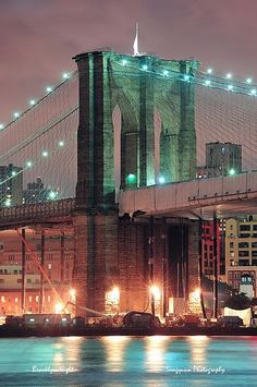 Brooklyn Bridge in New York City - Photo By: Songquan Deng