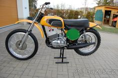 ČZ 250/980 motocros r.v. 1971 vystavni kus - České Budějovice, prodám Mx Bikes, Motocross Bikes, Vintage Motocross, Desert Sled, Mechanical Art, Old Motorcycles, Motorcycle Art, Dirtbikes, Classic Bikes
