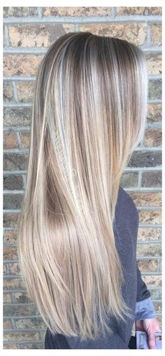 Hair Lights, Light Hair, Low Lights, Hair Color Highlights, Hair Color Balayage, Chunky Highlights, Caramel Highlights, Blonde Hair Colour, Natural Blonde Hair With Highlights