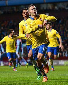 Wilshere Celebrates vs Aston Villa 2013-2014.