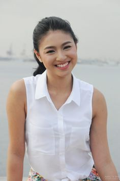 clean and simple makeup look Nadine Lustre, Star Fashion, Fashion Models, Fashion Trends, Lady Luster, Gabbi Garcia, Filipina Actress, Gorgeous Women, Beautiful