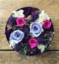Preserved flower arrangement for farewell. http://www.ateliersouris.com