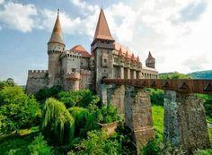 Corvin Castle, (Castelul Corvinilor) - Hunedoara, Romania - Watch videos http://destinations-for-travelers.blogspot.com/2013/10/corvin-castle-castelul-corvinilor-hunedoara-romania.html