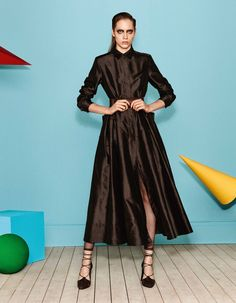 http://www.vogue.com/fashion-shows/resort-2017/max-mara/slideshow/collection