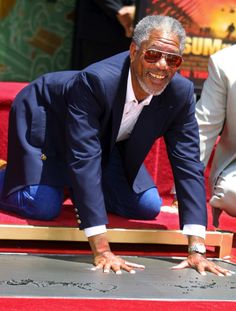 Morgan Freeman - Grauman's Chinese Theater di Hollywood, 05 giugno 2002 (LEE… Hollywood Men, Hollywood Walk Of Fame, Hollywood Stars, Left Handed Celebrities, Driving Miss Daisy, Los Angeles Hollywood, Whoopi Goldberg, Vintage Black Glamour, Celebrity Stars