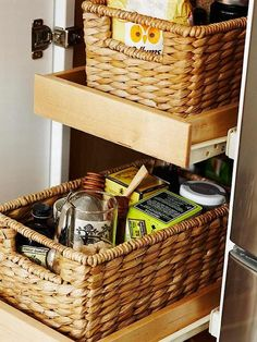 Kitchen Helper - Baskets can be helpful for organizing kitchen supplies. Place a basket with handles on a pull-out drawer for easy access to contents. Use one basket for different kinds of tea and another for baking supplies. Pantry Storage, Pantry Organization, Storage Shelves, Kitchen Storage, Storage Containers, Kitchen Baskets, Kitchen Decor, Kitchen Design, Kitchen Ideas