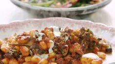 Sausage Gnocchi // Jamies 15 Minute Meals
