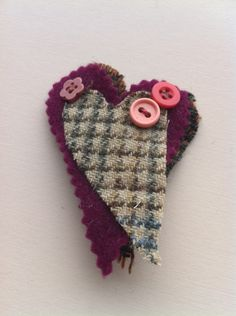 Felt & Tweed Brooch with buttons £3.50