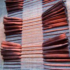 Weaving Textiles, Textile Fabrics, Weaving Art, Loom Weaving, Textile Art, Hand Weaving, Textiles Techniques, Weaving Techniques, Fabric Embellishment