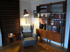 Our own reading spot. A mix of vintage and Ikea. Veggen Deluxe