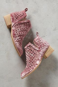Perfect boots to wear in the Summer.