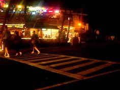 The streets of Kailua-Kona (I believe it's called Kailua Village?) and some commentary from my dad about Bongo Ben's, aka the restaurant in front of us.