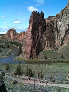 Hike at Smith Rock outside Bend, OR