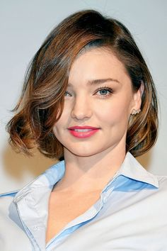 wedding hairstyles for round faces Celebrity hairstylist Justine Marjan explains the best short haircuts for round faces. Read all her advice here. Bob Haircut For Round Face, Short Hair Cuts For Round Faces, Round Face Haircuts, Hairstyles For Round Faces, Short Hairstyles For Women, Pretty Hairstyles, Wedding Hairstyles, Hairstyles Haircuts, Miranda Kerr Short Hair