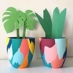 Painted Plant Pots, Painted Flower Pots, Diy Home Crafts, Arts And Crafts, Flower Pot Art, Fleurs Diy, Pottery Painting Designs, Art Diy, Diy Décoration
