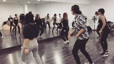 Clase de #Dancehall con Soffy Viernes de 18:00 a 19:30h