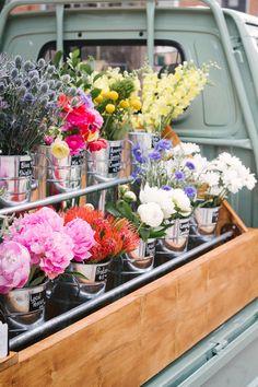 Flower Truck, Flower Bar, Cut Flower Garden, My Flower, Flower Vases, Flower Arrangements, Cut Flowers, Fresh Flowers, Beautiful Flowers