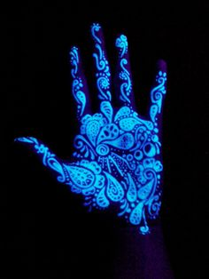 Black light tattoos are great because you can't always see them until you put them under a black light. Check out our gallery of black light tattoos. Uv Tattoo, Tatoo Art, Dark Tattoo, Body Art Tattoos, Neon Tattoo, Ink Tattoos, Inked Magazine, Maquillage Phosphorescent, Tinta Neon