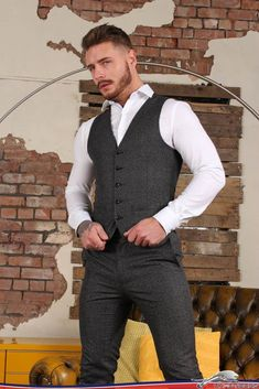 Suit and Tie Bulges: Photo Mens Fashion Suits, Mens Suits, Fashion Outfits, Sharp Dressed Man, Well Dressed Men, Hot Suit, Costume Sexy, Gym Guys, Tight Leather Pants