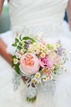 18 wedding bouquets not just for the country wedding 16